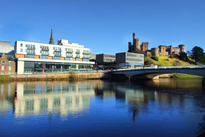 206 By The Bridge Serviced Apartment Inverness Gael